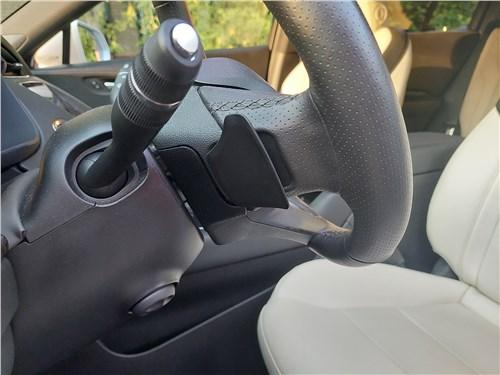 Cadillac XT4 (2019) подрулевые лепестки