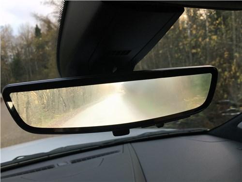 Cadillac XT6 2020 салонное зеркало