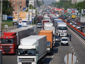 Власти Москвы ограничат передвижение грузового транспорта
