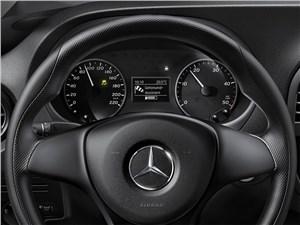 Предпросмотр mercedes-benz vito 2015 приборная панель