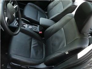 Mitsubishi Outlander 2014 передние кресла