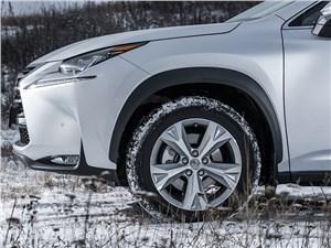 Предпросмотр lexus nx 300h awd 2015 колесо