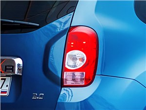 Renault Duster 2013 задний фонарь