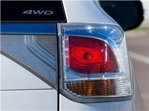Mitsubishi Outlander 2014 задний фонарь