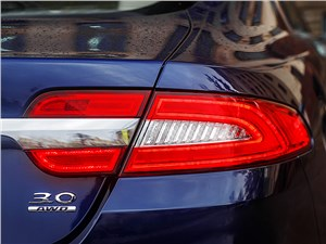 Предпросмотр jaguar xf 2011 задний фонарь