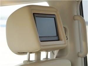 Infiniti QX80 2015 передние кресла