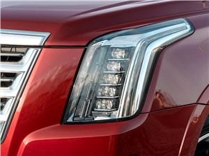 Cadillac Escalade 2015 передняя фара