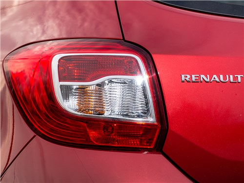 Предпросмотр renault sandero 2013 задний фонарь