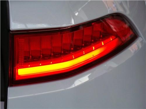 Jaguar F-Pace 2016 задний фонарь