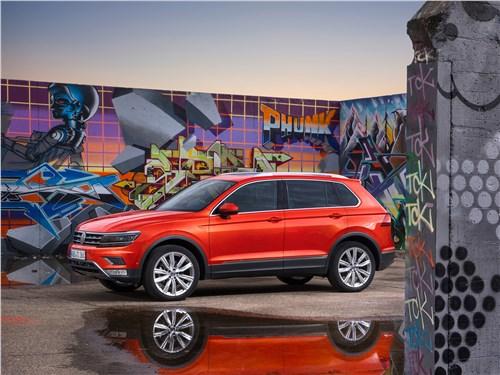 Volkswagen Tiguan 2017 вид сбоку