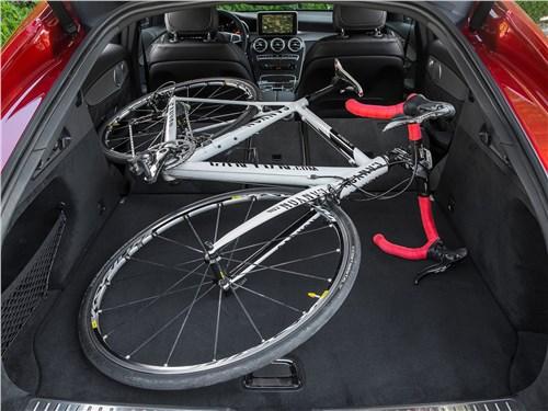 Предпросмотр mercedes-benz glc coupe 2017 багажное отделение