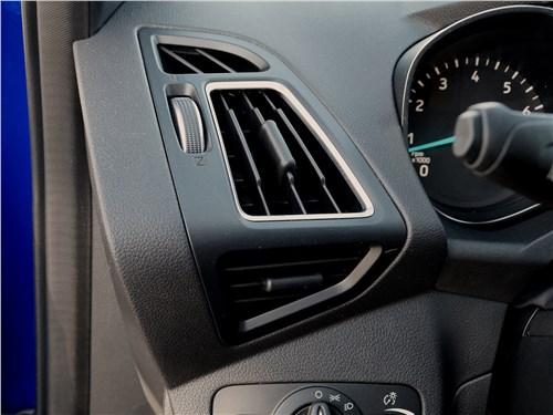 Ford Kuga 2017 воздуховоды