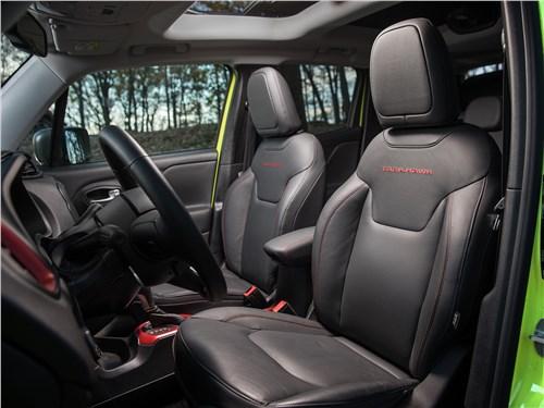Предпросмотр jeep renegade trailhawk 2015 передние кресла