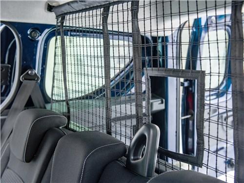 Renault Dokker 2018 разделительная сетка