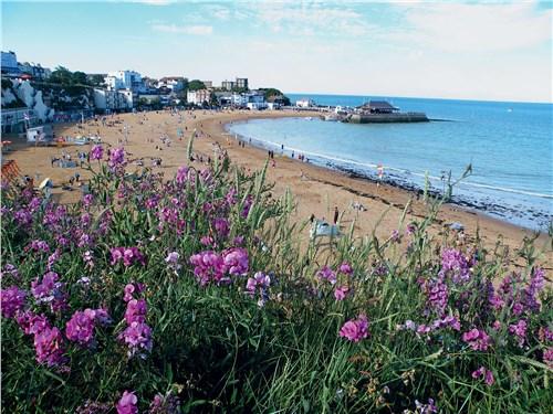 Многие пляжи Англии ничем не уступают пляжам сугубо курортных стран