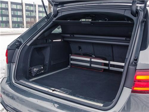 Audi RS4 Avant 2018 багажное отделение