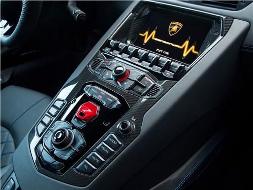 Предпросмотр lamborghini aventador s 2017 центральная консоль