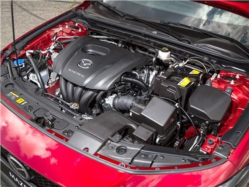 Mazda 3 2019 моторный отсек