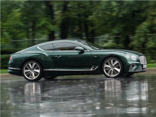 Bentley Continental GT 2018 вид сбоку