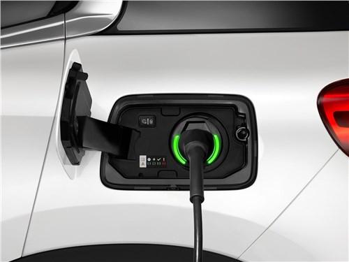 Предпросмотр citroen c5 aircross hybrid 2020 розетка для зарядки