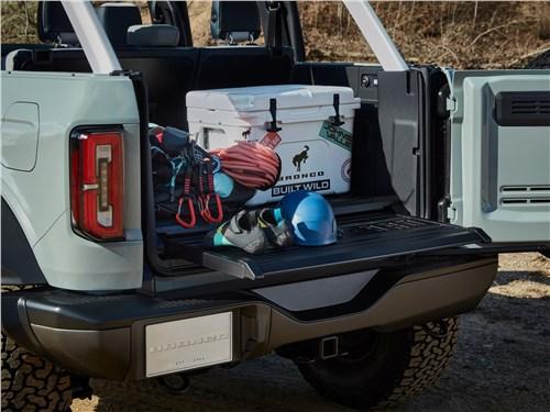Предпросмотр ford bronco 4-door (2021) багажное отделение