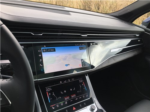 Audi Q7 (2020) салон