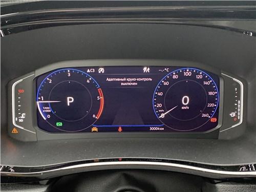 Volkswagen Multivan (2019) приборная панель