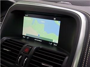 Система навигации отлично ориентируется в хитросплетениях дорожек Гатчинского парка