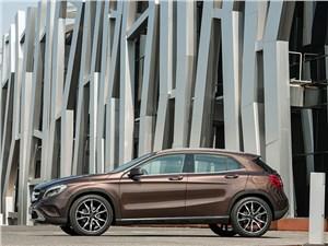 Mercedes-Benz GLA-Class - Mercedes-Benz GLA-klasse 2013 вид сбоку