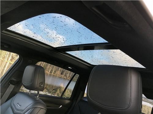 Cadillac XT6 2020 панорамная крыша