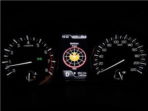 Suzuki Vitara 2019 приборная панель