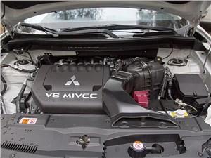 Mitsubishi Outlander 2014 двигатель