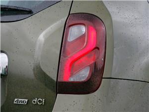 Renault Duster 2015 задний фонарь