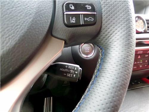 Lexus GS F 2016 рычажок управления системой круиз-контроля