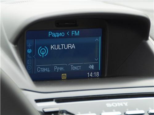 Ford Fiesta sedan 2015 монитор