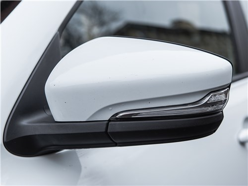 Lada Granta Liftback 2014 боковое зеркало