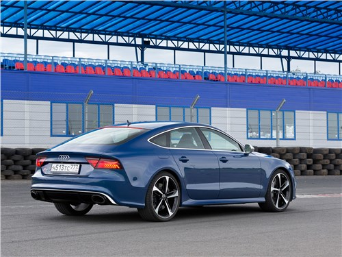Audi RS 7 Sportback performance 2016 вид сбоку сзади
