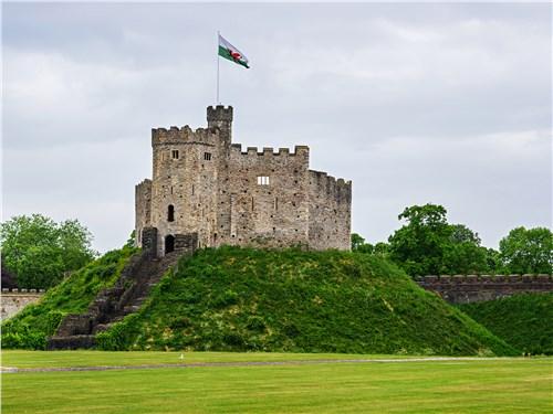 Название столицы Уэльса – Кардифф – означает «крепость». Глядя на местный замок, понимаешь, откуда оно взялось
