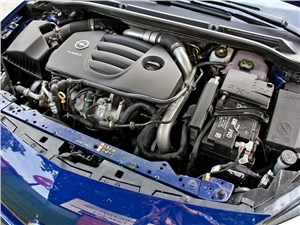 Opel Astra OPC 2013 двигатель