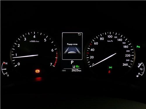 Lexus NX 2018 приборная панель