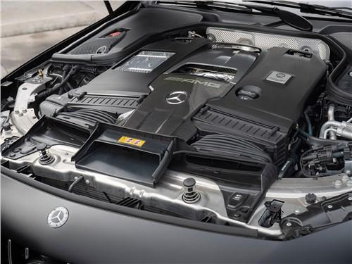 Mercedes-AMG GT 4-Door Coupe 2019 моторный отсек