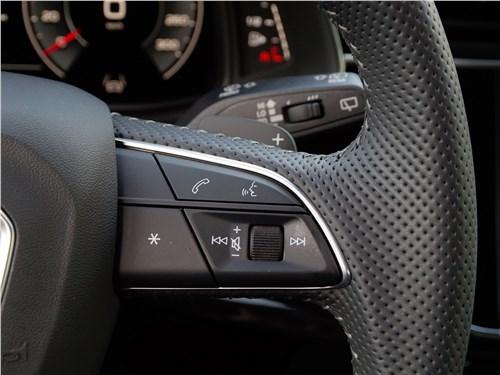 Audi Q8 2019 руль