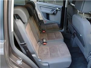 Предпросмотр volkswagen touran 2011 задние кресла