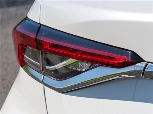 Toyota Corolla 2019 задний фонарь