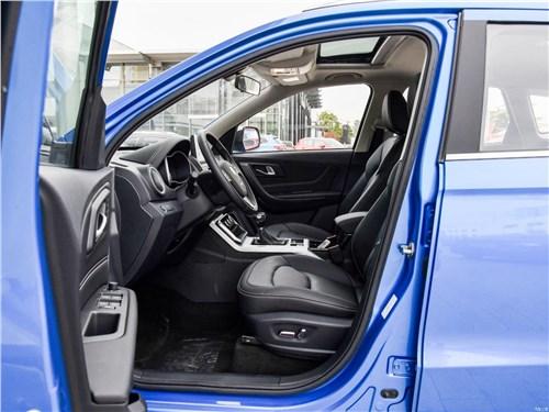 Предпросмотр faw besturn x40 2017 передние кресла