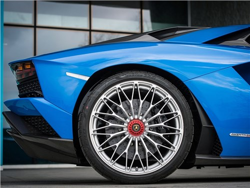 Предпросмотр lamborghini aventador s 2017 колесо
