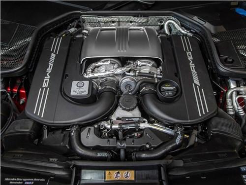 Предпросмотр mercedes-benz c63 s amg sedan 2019 двигатель