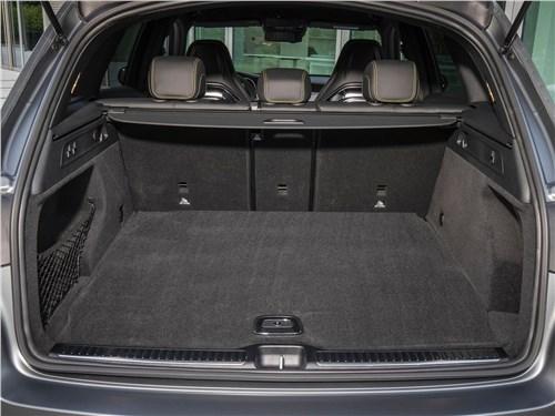 Предпросмотр mercedes-benz glc63 s amg 2020 багажное отделение
