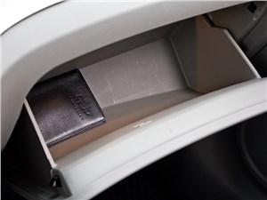 Chevrolet Orlando 2013 бардачок
