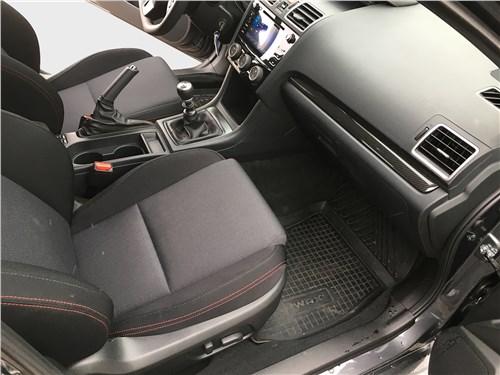 Subaru WRX Sport (2018) переднее кресло